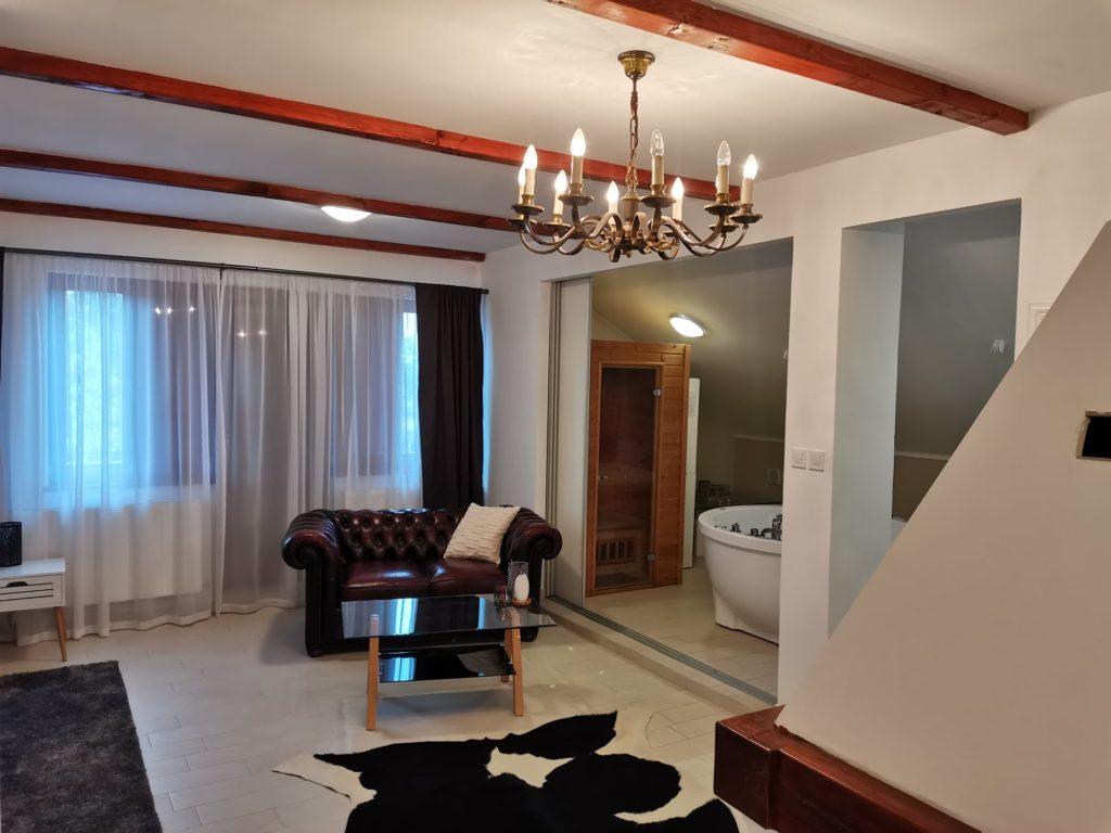 Villa Mons Aureus